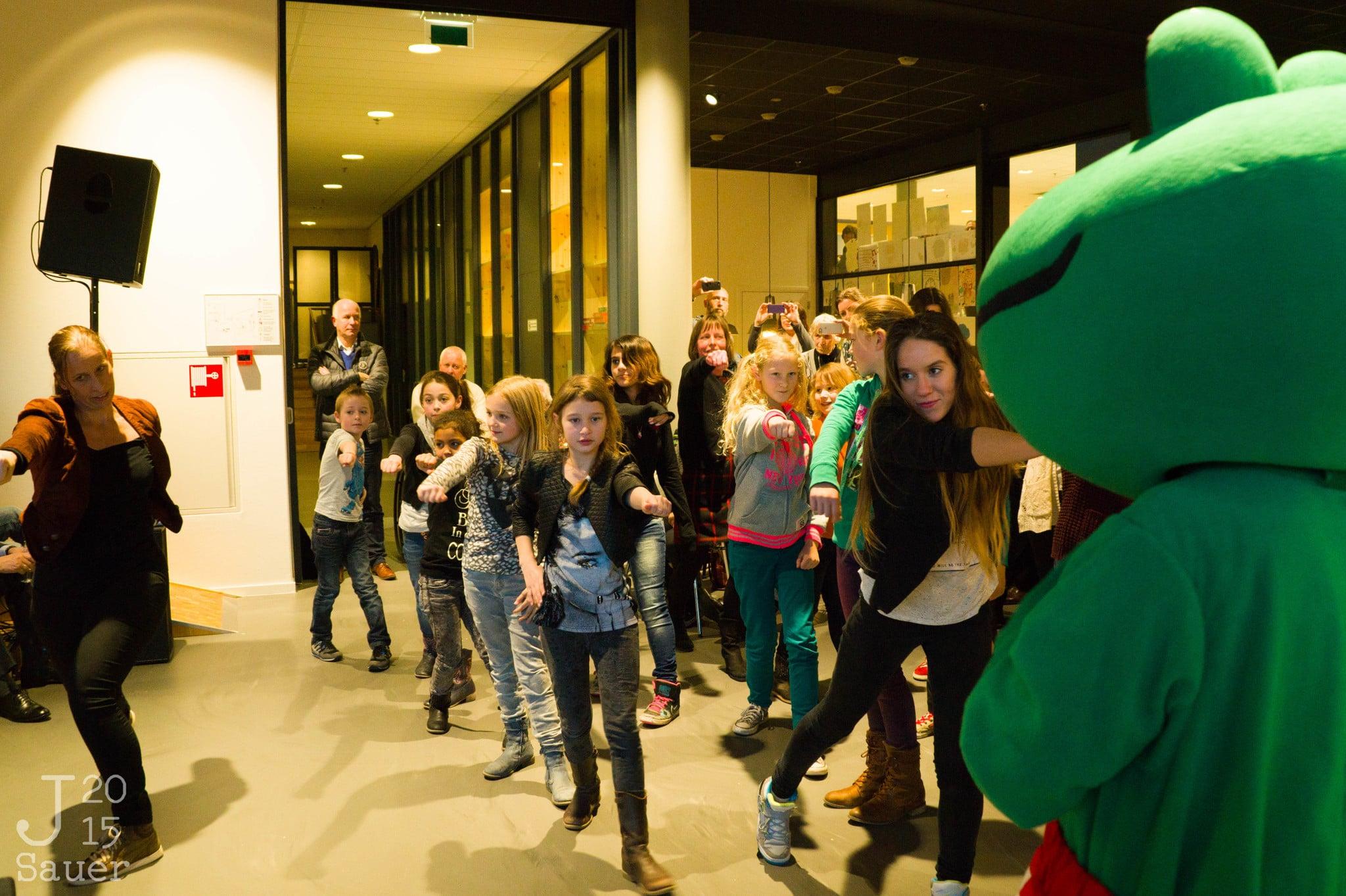 Flashmob opening Serviceplein Dronten