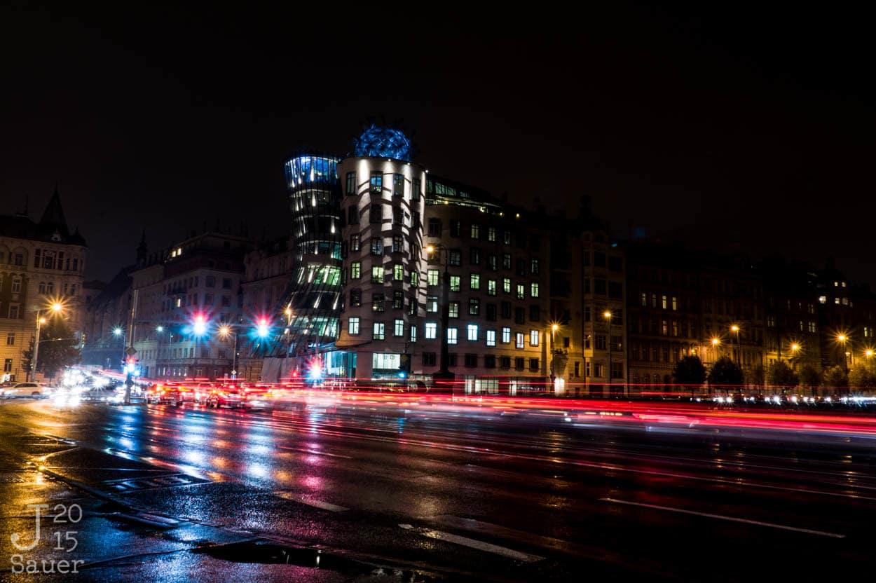Dansende huis Praag bij nacht